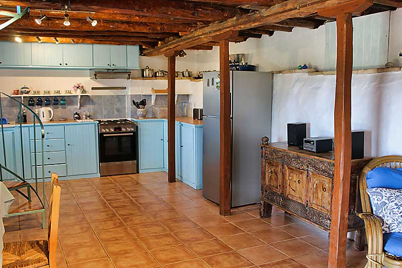 Portokali Cottage Kitchen Area