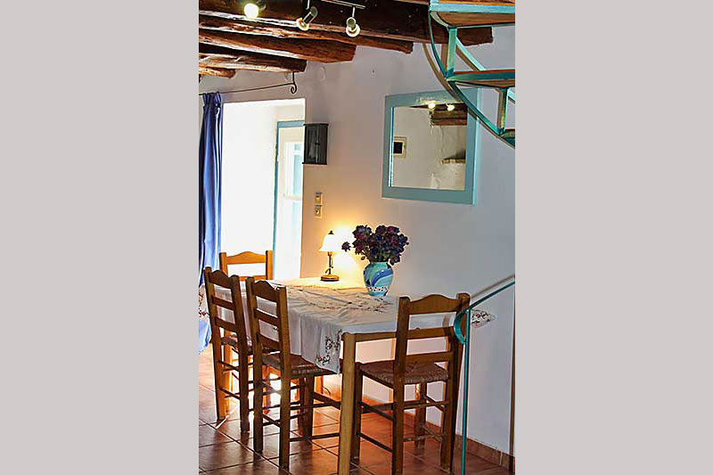 Portokali Cottage Indoor Dining Area